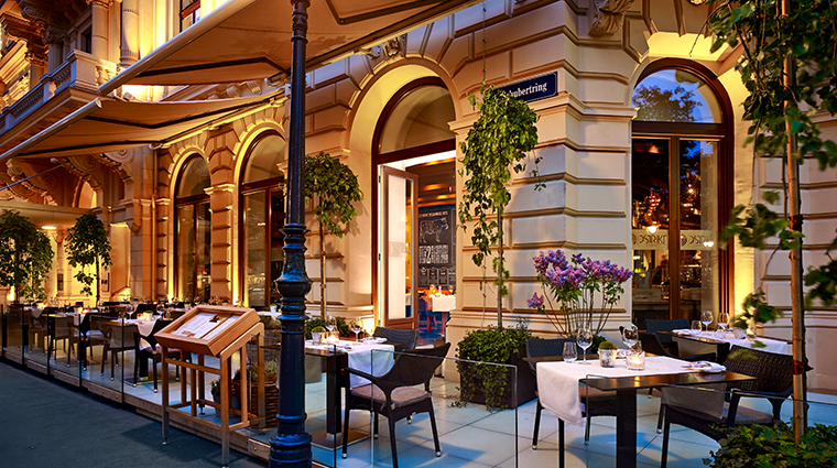 the ritz carlton vienna Dstrikt Steakhouse Terrace