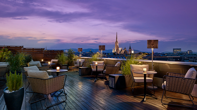 the ritz carlton vienna Atmosphere rooftop bar