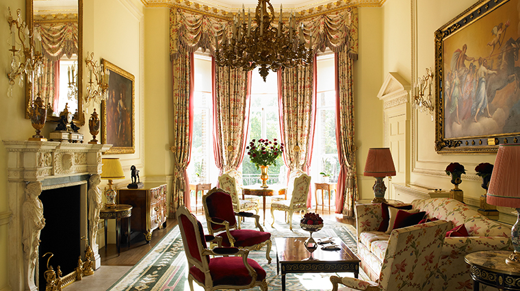 the ritz london royal suite sitting room