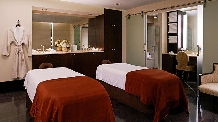 the roosevelt new orleans a waldorf astoria hotel couples treatment room
