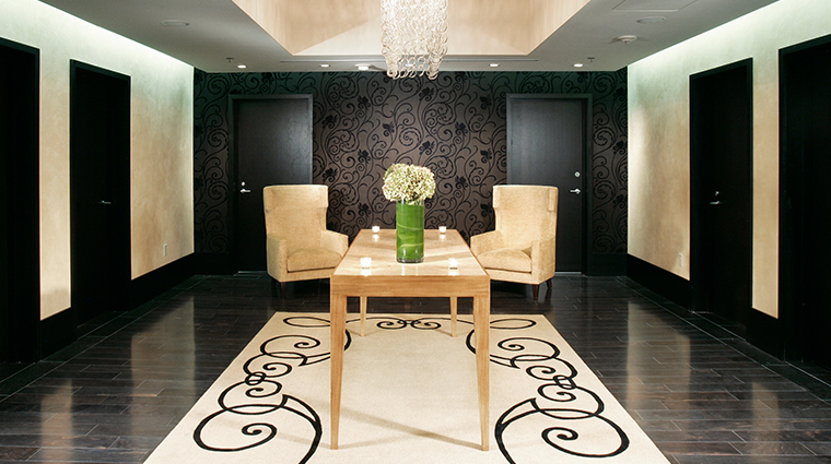 the roosevelt new orleans a waldorf astoria hotel spa waiting room