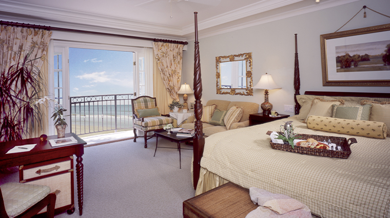 the sanctuary at kiawah island golf resort guest room
