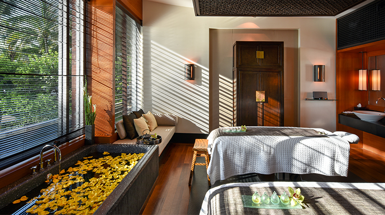 the setai miami beach spa treatment room
