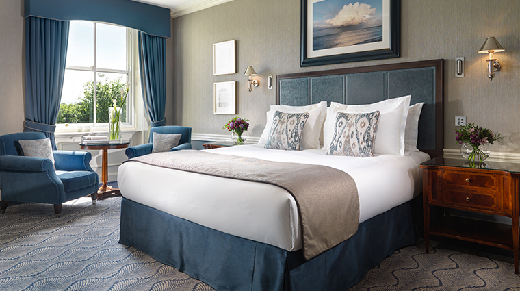 the shelbourne dublin a renaissance hotel Heritage Park View king guest room