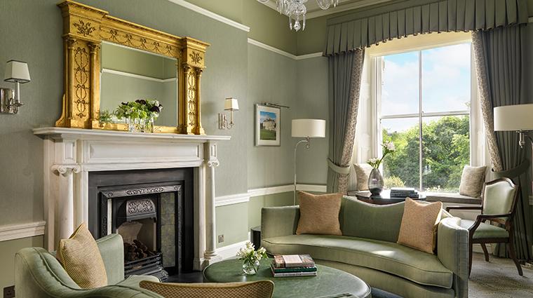 the shelbourne dublin a renaissance hotel one bedroom lounge