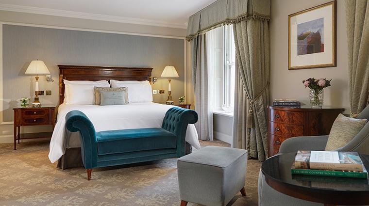 the shelbourne dublin a renaissance hotel premium guest room