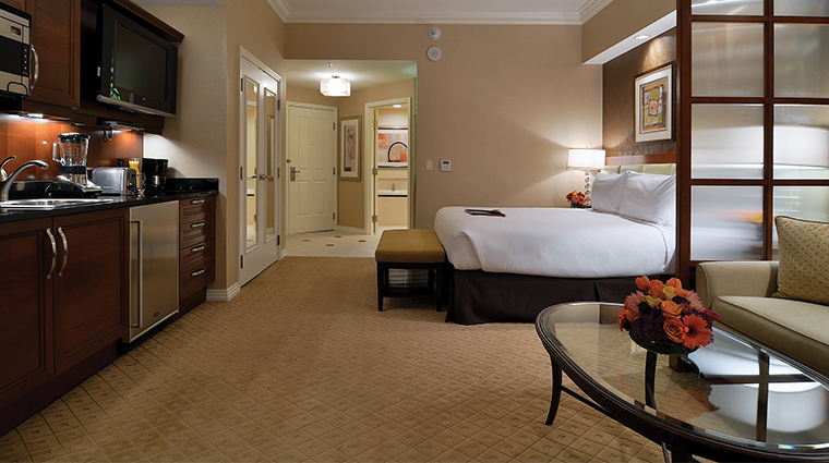 the signature at mgm grand las vegas guestroom wide