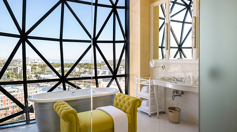the silo hotel penthouse bathroom