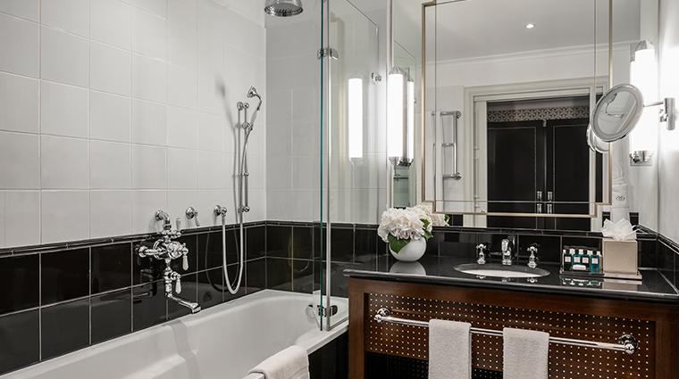 the sofitel london st james luxury room bathroom