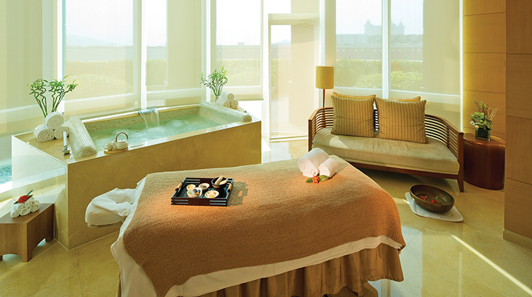 the spa at four seasons hotel macao cotai strip treatment room