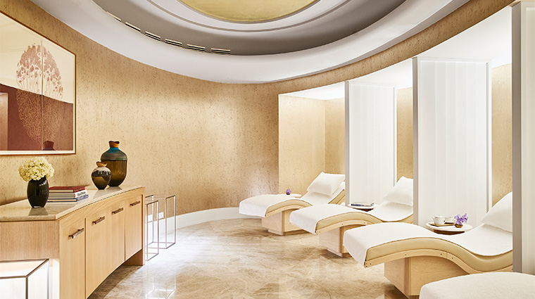 the spa at four seasons hotel madrid relaxation room