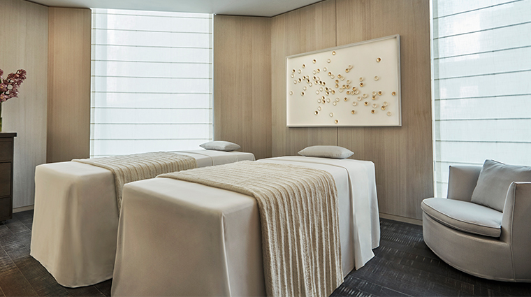 the spa at four seasons hotel new york downtown couples treatment room
