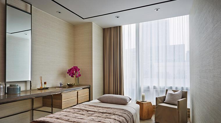 the spa at four seasons hotel toronto treatment room