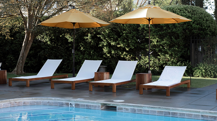 the spa at macarthur poolside