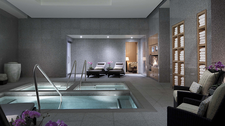 the spa salon at aria hot tubs