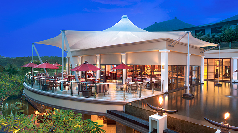 the st regis bali resort Boneka restaurant
