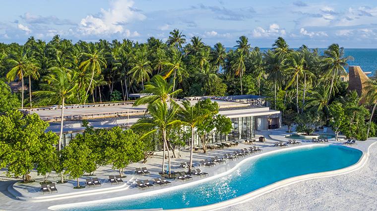 the st regis maldives vommuli resort alba restaurant infinity pool