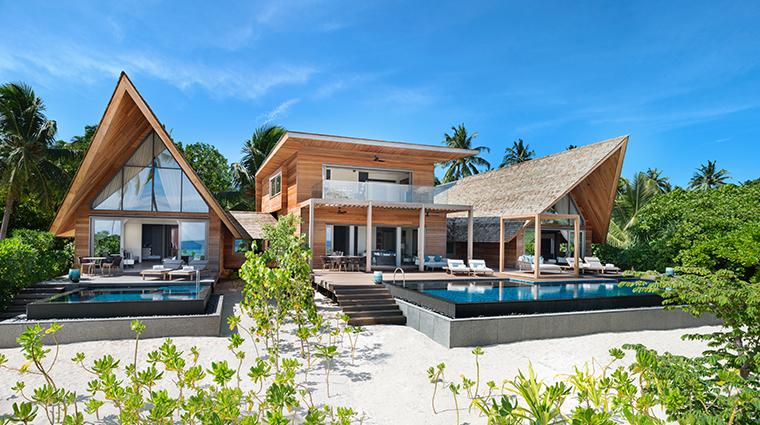 the st regis maldives vommuli resort caroline astor estate