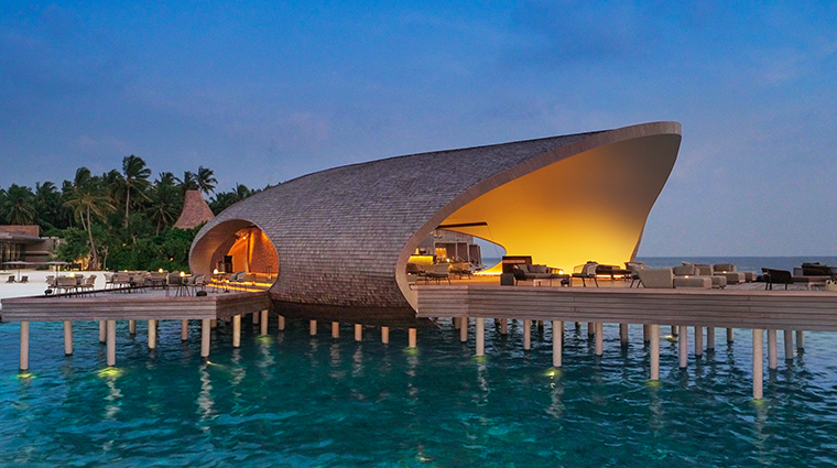 the st regis maldives vommuli resort whale bar outside