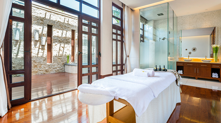 the st regis sanya yalong bay resort treatment room