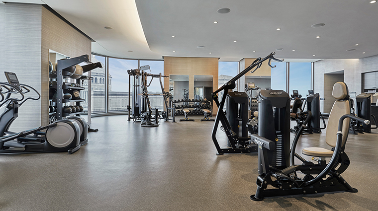 four seasons hotel one dalton street boston fitness center