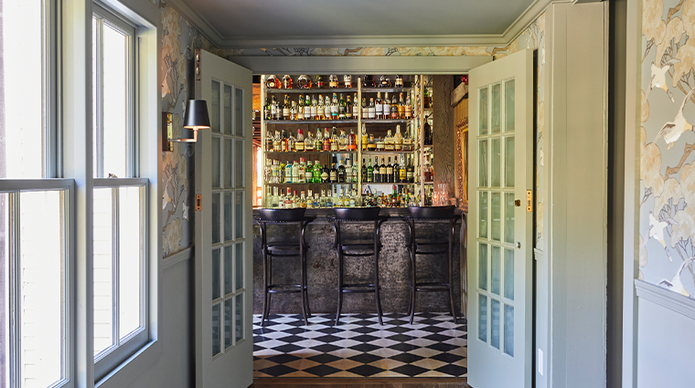 the white barn inn restaurant bar