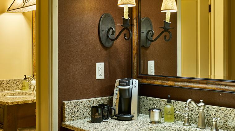 the wort hotel bathroom