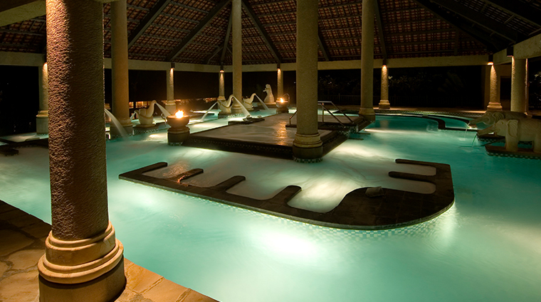 thermes marins bali aquatonic pool night