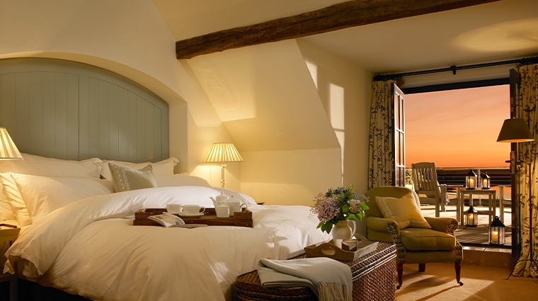 trump international golf links hotel doonbeg courtyard suite bedroom
