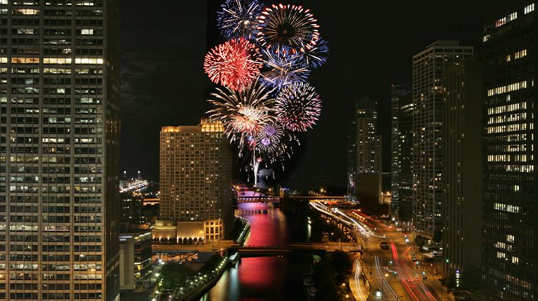 trump international hotel tower chicago fireworks
