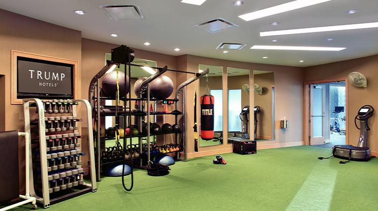 trump international hotel tower chicago fitness center