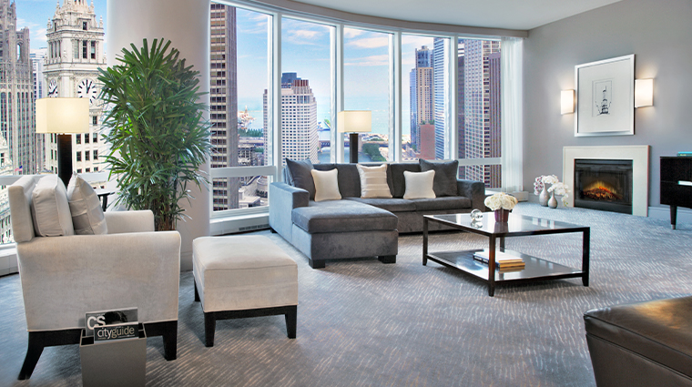 trump international hotel tower chicago river view suite