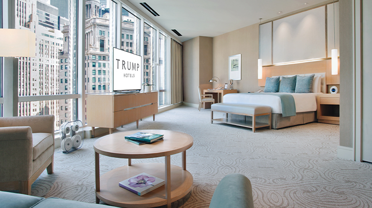 trump international hotel tower chicago spa suite bedroom
