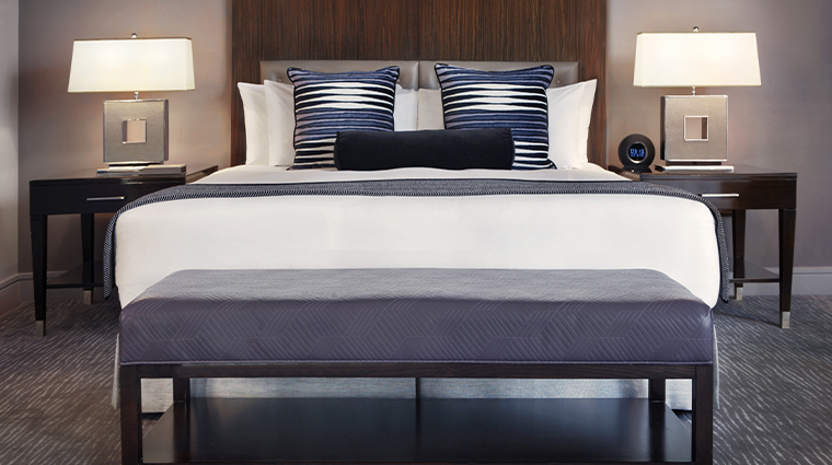 trump international hotel tower chicago superior king bed