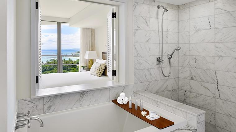 trump international hotel waikiki suite bathroom