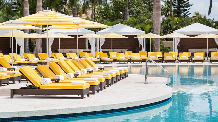 trump national doral miami pool lounge