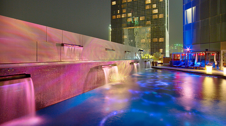 w doha hotel residences wet deck