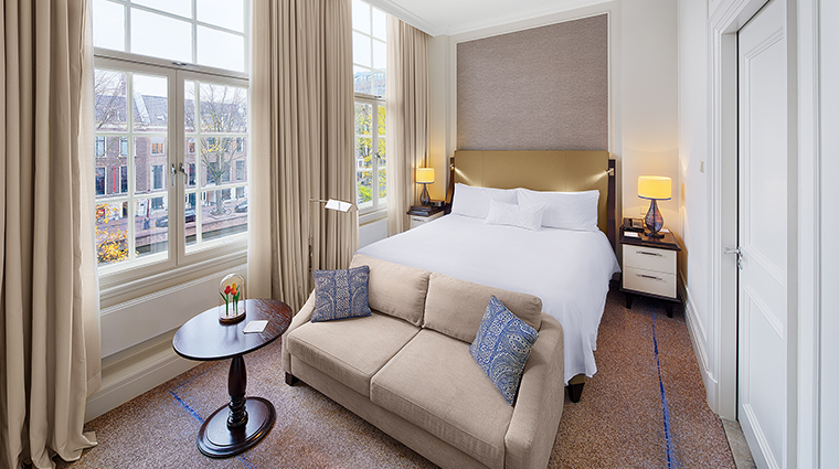 waldorf astoria amsterdam new backer bedroom