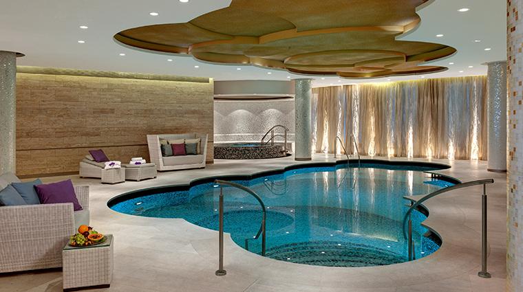 waldorf astoria berlin spa pool