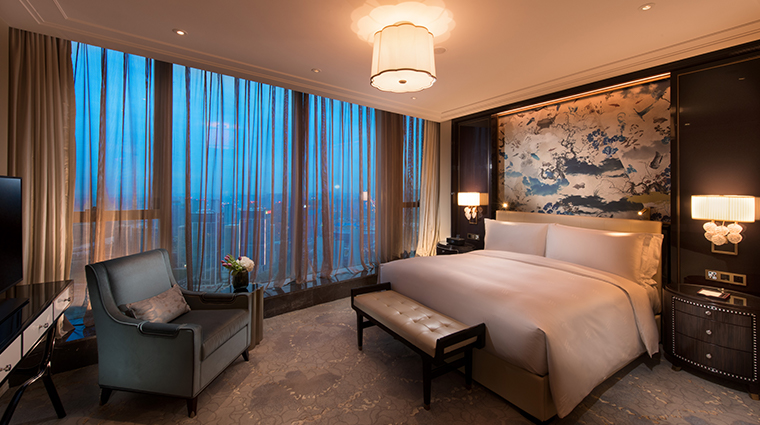 waldorf astoria chengdu bedroom