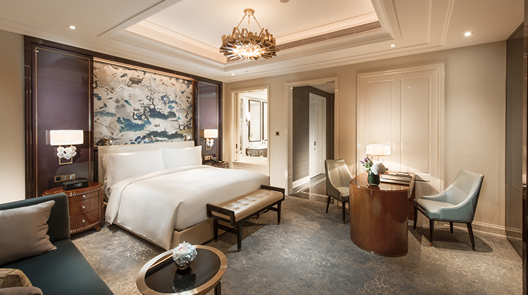 waldorf astoria chengdu bedroom2