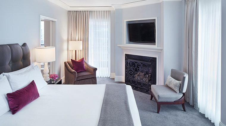 waldorf astoria chicago premier terrace king guest room