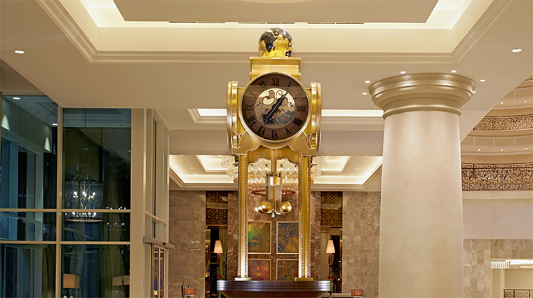 waldorf astoria dubai palm jumeirah Waldorf Astoria Clock