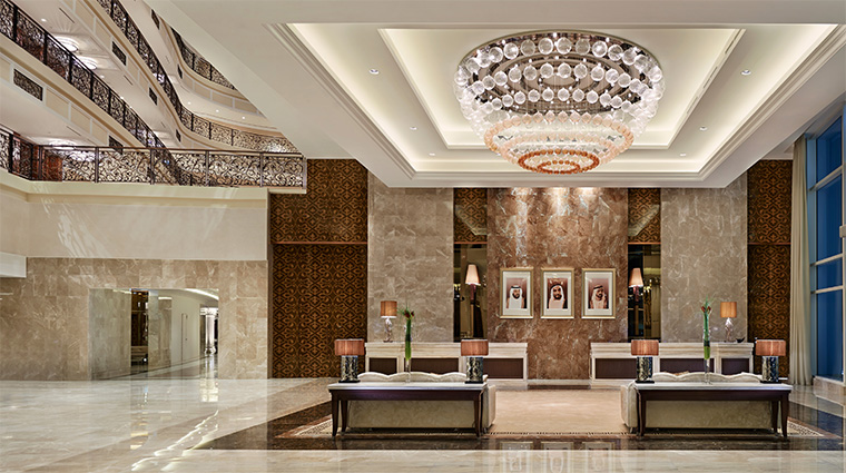 waldorf astoria dubai palm jumeirah lobby