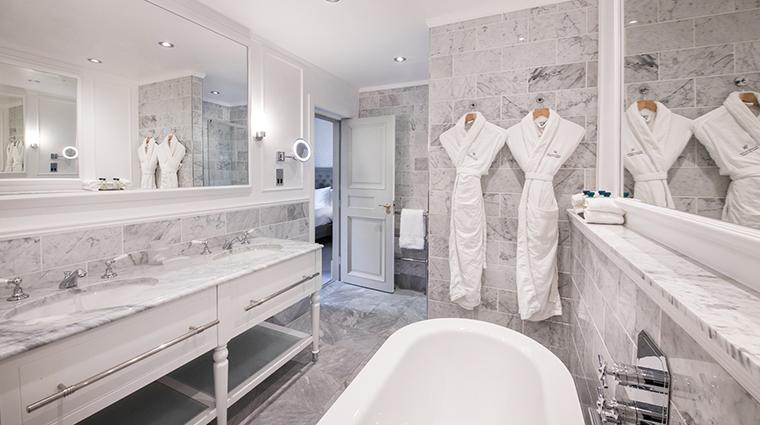 waldorf astoria edinburgh the caledonian guestroom bathroom
