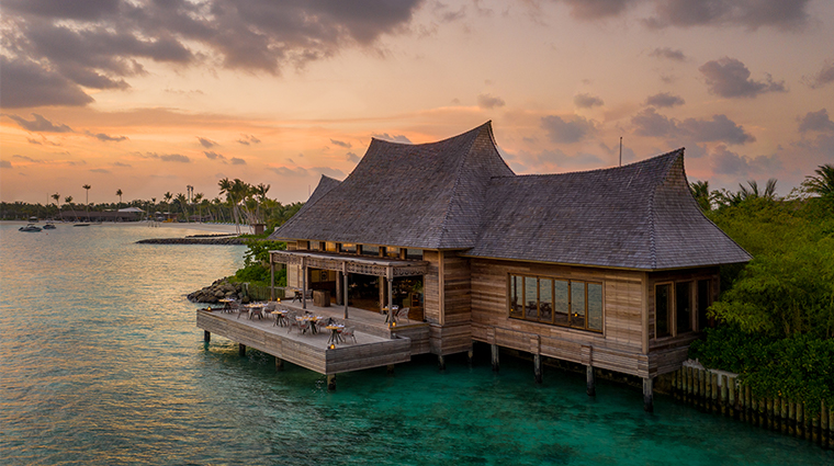 waldorf astoria maldives ithaafushi li long