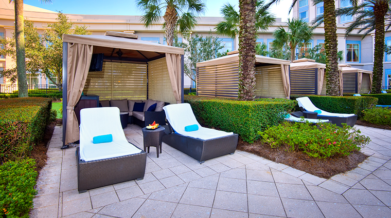 waldorf astoria orlando pool lounge