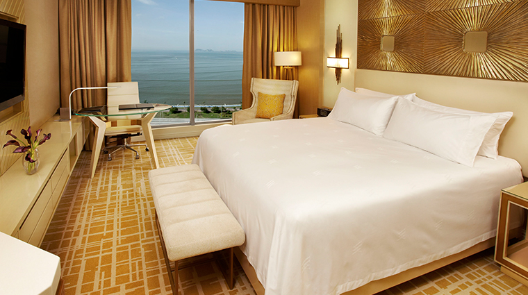 waldorf astoria panama guestroom king view