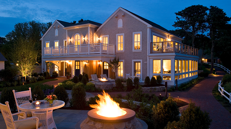 wequassett resort and golf club exterior night