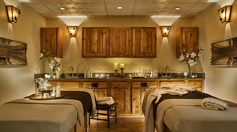 whiteface lodge resort spa treatment room